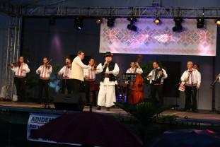 În cadrul Târgului Meşterilor Populari - Concerte folclorice în aer liber