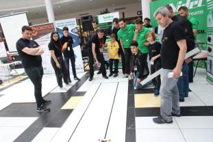 Un concurs de tradiție - Robotics Championship, la ediția a 9-a