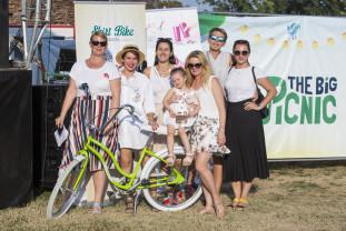 SkirtBike, o ediţie dedicată Alexandrei Măceşanu - Parada bicicletelor cochete