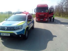 Record pe drumurile județene - Camion încărcat cu 24 de tone peste limita legală
