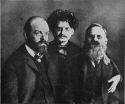 """100 de ani. Revoluţia bolşevică şi trădarea României - """"Pachetul"""" Lenin pentru Rusia"""