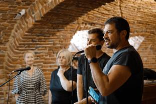 Teatru-concert pe scena Szigligeti - Help! Manifest pentru artă