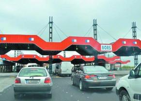 După câteva zile de aglomerație la intrarea în țară, timpii de așteptare erau ieri, mai mari la ieșire - Trafic intens prin PTF Borș