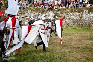 Jonglerii cu foc, bătălii, muzică și dansuri medievale - Festivalul Medieval Oradea