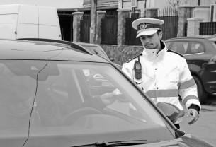 Sute de persoane legitimate, firme şi maşini controlate - Razie în Oradea şi localităţile arondate