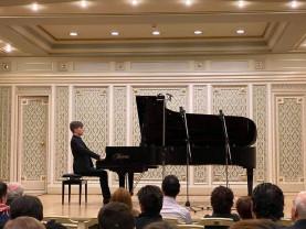Dominik Ilisz a cucerit bucureştenii - Un orădean, în concert la Ateneu