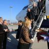 Aeroportul Oradea. Au sosit primii pasageri de la Milano - Inaugurare cu folclor