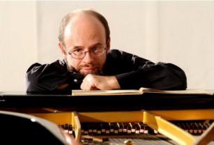 Joi, 17 octombrie, pe scena Filarmonicii - Pianistul Alexei Nabioulin concertează la Oradea