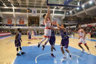 CSM CSU Oradea - SCM Timişoara 90-52 - Lideri după o victorie spectaculoasă