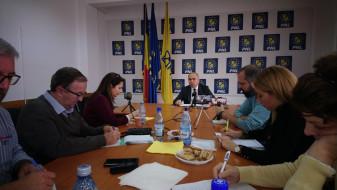 """Bolojan îndeamnă Bihorenii să meargă la vot - """"Va fi o alegere între modernizare și rămânere în urmă"""""""