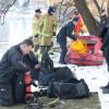 Salvatorii au încercat şi ieri să îl găsească pe bărbatul căzut în Criş - Pompierii au reînceput căutările