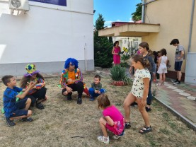 Copiii din Centrul de Zi Oradea - Nu se plictisesc nici în vacanță