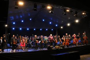 """""""Rapsodia toamnei"""" i-a scos pe orădeni din case - Concert simfonic caritabil"""