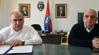 Oradea și Bihorul în pandemie - Medicamente pentru 900 de cazuri și termometre în locuri publice