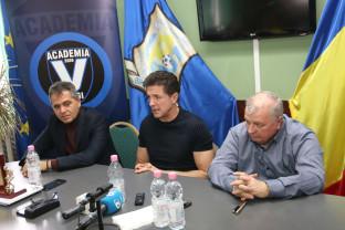 """Gică Popescu, după semnarea parteneriatului cu LPS Bihorul - """"O colaborare din care toată lumea câştigă"""""""