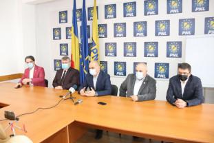 Agenda politică - Negocierile se fac la București