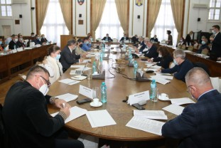 Ultima şedinţă a CL Oradea din acest an, subiecte multe şi stufoase - Supraimpozitări, majorări şi împrumuturi