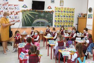 Părinții din Bihor își vor copiii la școală - Emoțiile veșnicelor începuturi