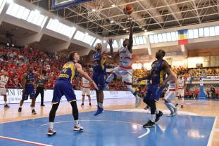 S-a stabilit programul Ligii Naţionale de baschet masculin - Campioana debutează cu Steaua