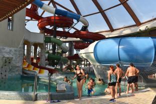 Cel mai mare complex acvatic din Vestul României - Aquaparkul Nymphaea, cinci ani de funcționare