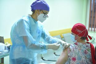 Pentru etapele II și III - 22 de centre de vaccinare autorizate