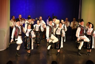 "Ansamblul Crișana. Spectacol folcloric de excepție - ""Dor de Dragobete"""