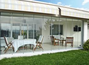 De ce să alegi sistemele de închideri terase și balcoane de la Rom Decor?