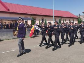 """Şcoala de Pregătire a Agenţilor Poliţiei de Frontieră """"Avram Iancu"""" Oradea - O nouă serie de elevi a depus jurământul militar"""