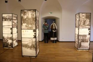100 de ani de la vizita Regelui Ferdinand şi a Reginei Maria în Bihor - Însemnele regalităţii, cinstite la Oradea