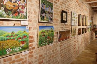 Proiecţii de film şi lucrări de excepţie în festival - Expoziţia Naţională de Artă Naivă din România