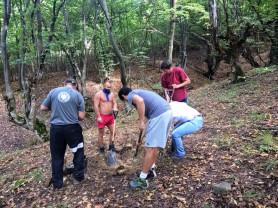Trei luptători anticomuniști deshumaţi în zona comunei Cricău, Alba - Partizanii din Piatra Craivii