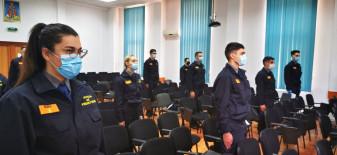 """O nouă serie de elevi a Şcolii """"Avram Iancu"""" Oradea - Jurământ militar cu măsuri de protecție"""
