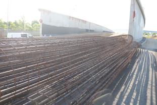 Se montează grinzile - Circulaţie restricţionată pe şoseaua de centură