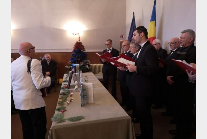Şedinţă specială a Cenaclului literar Barbu Ştefănescu