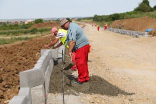 """""""Centură ocolitoare"""" pentru traficul ușor - Se lucrează la noul drum rapid"""