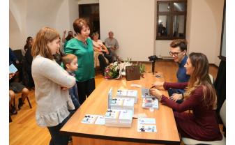 Magicienii Eduard și Bianca și-au lansat prima carte - Trucuri magice între coperți