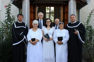 Binecuvântare sfântă în adunarea fiilor și fiicelor din Ianoșda - Eveniment creștin cu dublă semnificație