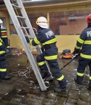 Incendiu pe strada Seleușului - De vină ar fi fost un coș de fum neprotejat