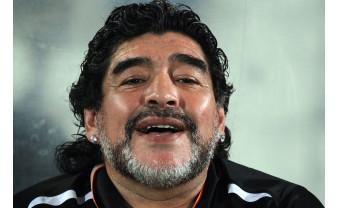 A murit Diego Armando Maradona