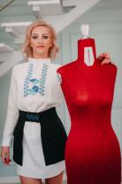 O sighișoreancă lansează un nou concept în lumea modei - Elemente tradiționale românești îmbinate în modernism