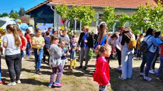 """Proiectul educațional """"Tineri ortodocși în Țara Beiușului"""" - Un dar pentru copii!"""