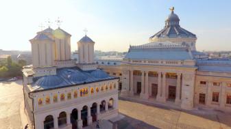 Patriarhia Română - Postim nu doar abținându-ne de la anumite alimente, ci și de la devorarea celorlalți