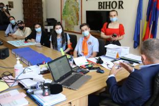 Un nou protest al gojdiştilor în Piaţa Unirii şi la Inspectoratul Şcolar (Video)