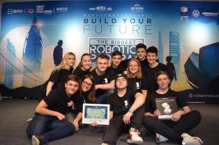 Un robot construit de liceenii din Beiuş - A ajuns la Campionatul Naţional de Robotică