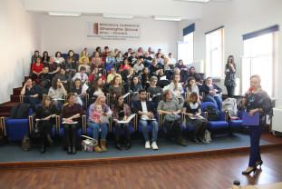 Workshop la Bibliotecă - Ziua Dezrobirii Romilor, marcată la Oradea