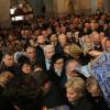 Mii de credincioşi la slujba de Bobotează - Un munte de speranţe sub o ploaie de Agheasmă