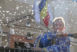 Mii de credincioşi prezenţi la slujba de sfinţire a apei - Boboteaza, sărbătorită de bihoreni