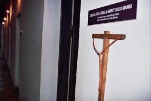 Sfinxul îngenuncheat în temniţă - Martir pentru neam şi democraţie