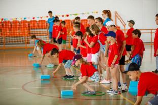 """100 de copii și adolescenți voluntari participă la activități - Tabăra """"Și eu pot! Discovery"""""""