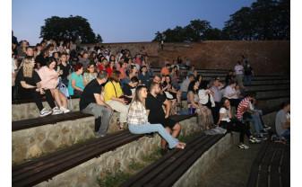 Deschidere aniversară TIFF, la a 20-a ediţie - Dineu cu vecinii de sus, proiectat la Oradea